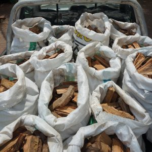 SINGLE Bakkie Load of Firewood with a FREE small bag of Kindling